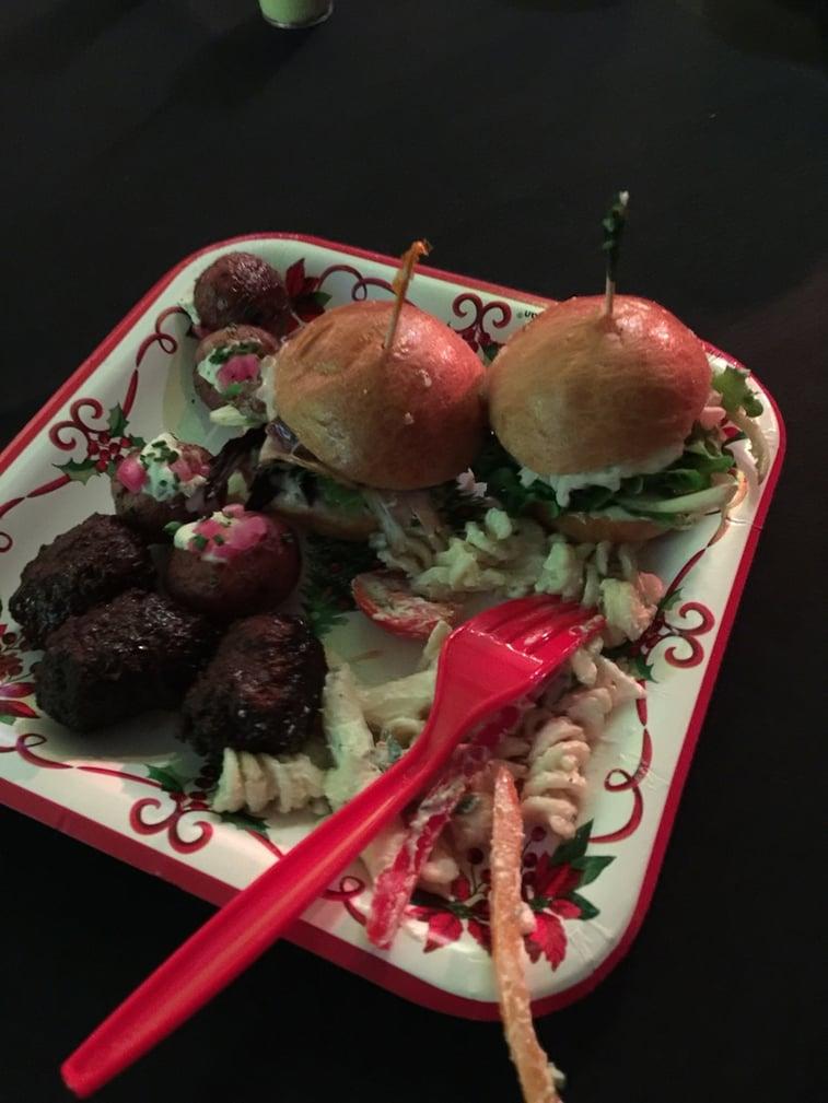 Plate_of_food.jpg