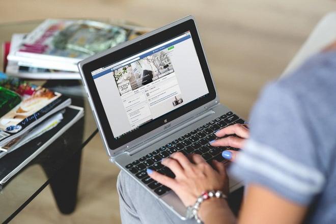 Woman_Using_Facebook_Business_on_Her_Laptop_-_Intuitive_Digital_-_Linkarati.jpg