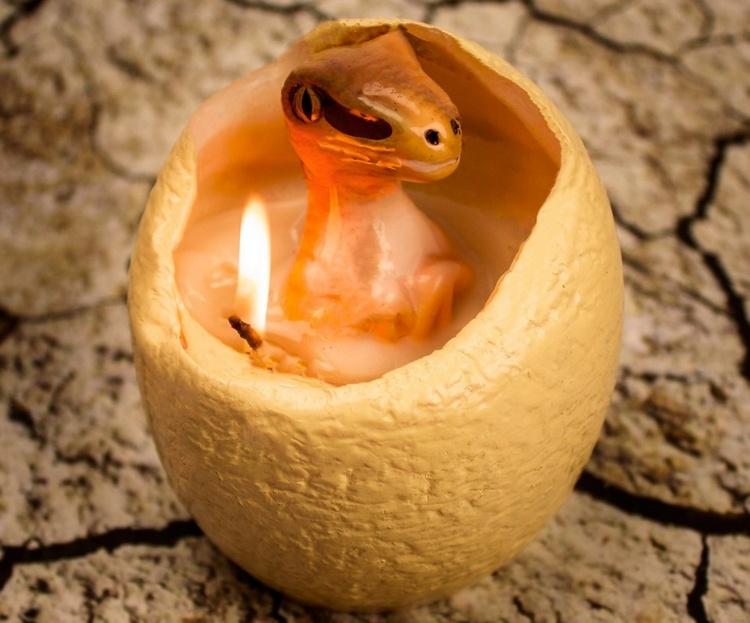 hatching-dinosaur-candle-1.jpg