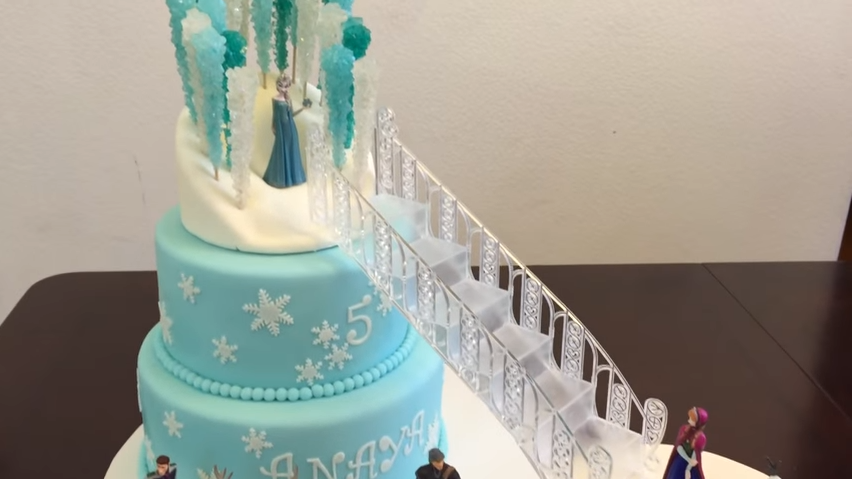 inspiration_Frozen_cake_screen_grab-1.png