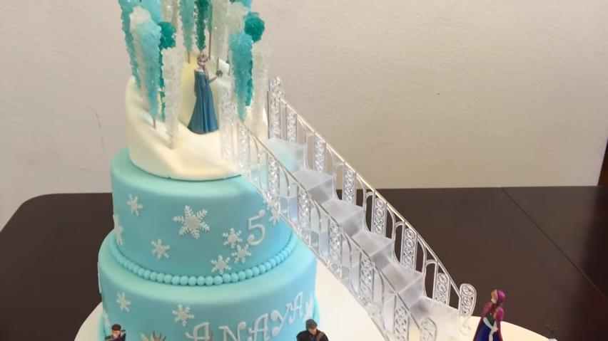 inspiration_Frozen_cake_screen_grab-1.png